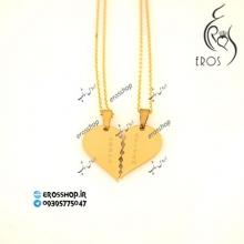 آویز گردنبند مدل دو نیمه قلب با اسامی حکاکی شده روی هر نیمه