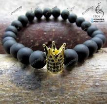 دستبند سنگ اونیکس مات و تاج طلایی نگین سواروسکی